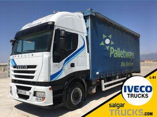 IVECO AS440S45T/P camión con lona corredera