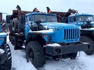 Уралпромтехника Уралпромтехника 59601В camión maderero