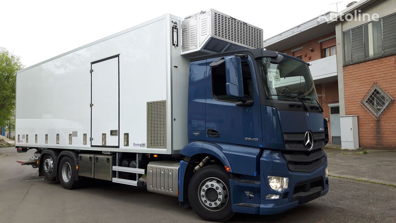 MERCEDES-BENZ CHICKS  TRASPORT 2021 camión para transporte de aves nuevo