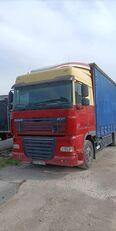 DAF FAR XF 105.410 camión toldo