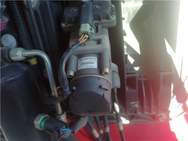 KNORR-BREMSE cilindro maestro de embrague para RENAULT Premium 2 Distribution 460.19 tractora